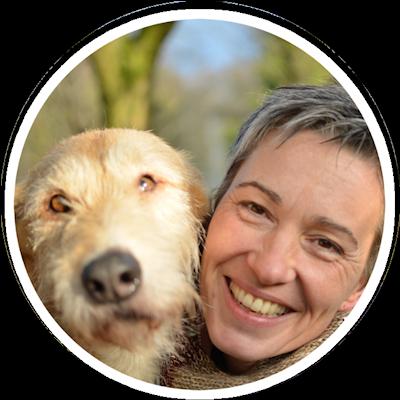 Anett Kämpfer von APORT mit Dogscooter Hund Pelufo beim Zughundesport